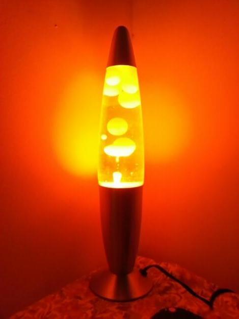 Выбираем лава лампу: масло, парафин + делаем своими руками