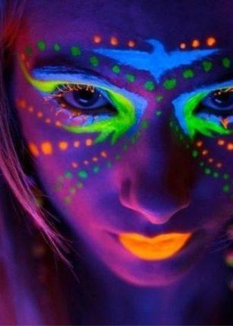 Люминесцентная краска: советы по использованию и как сделать самостоятельно