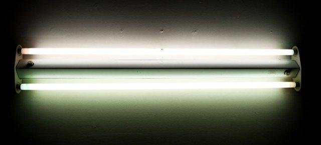 Как сделать ультрафиолетовую лампу для дома своими руками