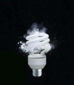 Разбилась люминесцентная лампа, что делать